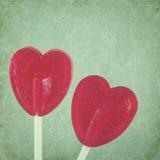 Coeurs rouges de lucette sur le fond de vintage Photos stock