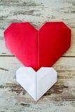 Coeurs rouges et blancs d'origami Photographie stock