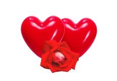 Coeurs rouges et rose d'isolement sur le blanc Photographie stock