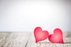 Coeurs rustiques de jour de valentines photographie stock libre de droits