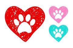 Coeurs tirés par la main avec les copies animales de patte à l'intérieur illustration stock