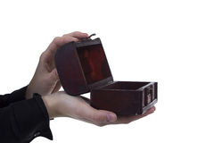 Cofanetto antico nelle mani fotografia stock