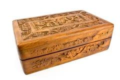 Cofanetto intagliato di legno dall'India immagini stock