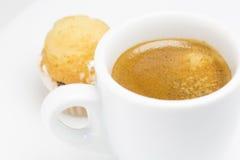 Cofee e dolce della tazza Immagine Stock Libera da Diritti
