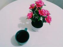 Cofee e fiori Fotografia Stock Libera da Diritti