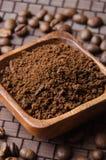 Cofee y habas de tierra Fotografía de archivo libre de regalías