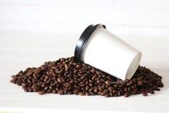 Coffe纸杯豆 库存照片