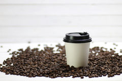 Coffe纸杯豆 免版税图库摄影