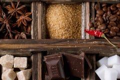 Coffe, σοκολάτα, ζάχαρη και καρυκεύματα Στοκ Φωτογραφίες