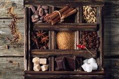 Coffe, σοκολάτα, ζάχαρη και καρυκεύματα Στοκ φωτογραφία με δικαίωμα ελεύθερης χρήσης