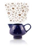 Coffe может с нарисованными рукой значками средств массовой информации Стоковое Изображение RF