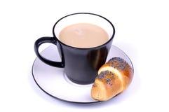 Coffe avec du lait et le croissant Photos libres de droits
