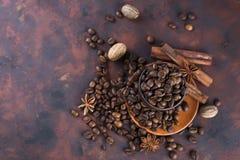 Coffe beens με τα καρυκεύματα Στοκ Εικόνα