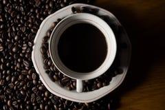 Coffe Bohnen und Cup Stockfotografie