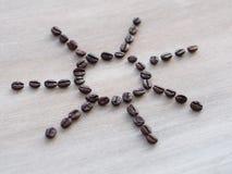 Coffe brengt zonnige stemming Royalty-vrije Stock Afbeeldingen