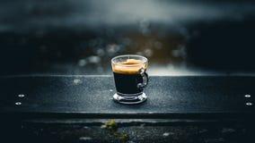 Coffe en un monopat?n foto de archivo libre de regalías