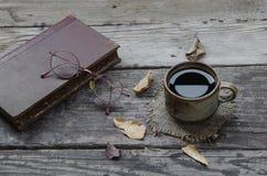 Coffe och exponeringsglas Arkivfoton