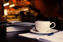 Coffe y notas foto de archivo libre de regalías