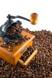 Coffebeans e moedor Imagens de Stock Royalty Free
