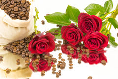 Coffebeans roses mirror 2 Royalty Free Stock Photo