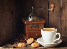 Coffee and amaretti biscuits Royalty Free Stock Images
