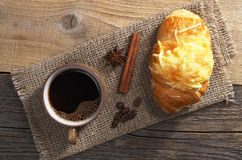 Free Coffee And Croissant Royalty Free Stock Photography - 95397047