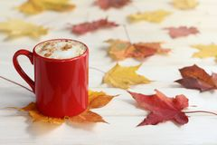 Coffee with the aroma of cinnamon and autumn Royalty Free Stock Image