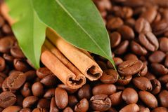 Coffee beans and cinnamon Royalty Free Stock Photography