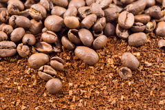 Coffee beans with coffee powder 2 Royalty Free Stock Image