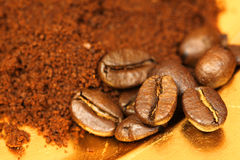 Coffee beans and ground cafe Royalty Free Stock Photo