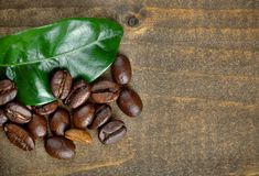 Coffee beans with leaf Royalty Free Stock Photography