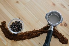Coffee beans and milled coffee Royalty Free Stock Images