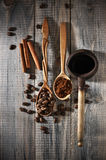 Coffee beans and pot Royalty Free Stock Photography