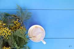 Coffee break with the scent of spring Royalty Free Stock Photo