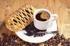 Coffee and bun with jam Royalty Free Stock Images