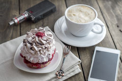 Coffee and cake for breakfast Royalty Free Stock Photos