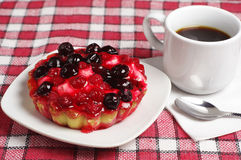 Coffee and cake with currants Royalty Free Stock Photo
