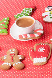Coffee and christmas gingerbread cookies Stock Photos