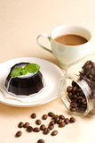 Coffee, coffee pudding and coffee beans Royalty Free Stock Photos