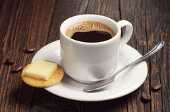Coffee and crackers with cheese Royalty Free Stock Photos