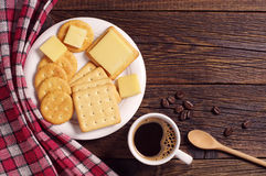 Coffee and crackers with cheese Royalty Free Stock Images