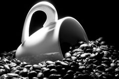 Coffee cup with caffee beans Royalty Free Stock Image