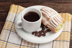 Coffee cup and cake Royalty Free Stock Image