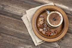 Coffee cup and coffee beans Stock Images