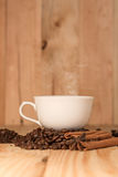 Coffee cup and coffee beans Royalty Free Stock Photos
