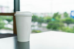 Coffee cup in coffee shop Royalty Free Stock Photos