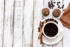 Coffee cup and cookie on white wooden table Stock Photography