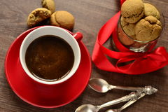 Coffee cup and cookies Royalty Free Stock Images
