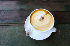 Coffee cup or fresh coffee on wooden table in morning time Royalty Free Stock Photos