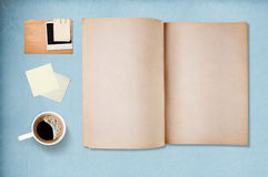 Coffee cup, note paper and notebook Stock Photography